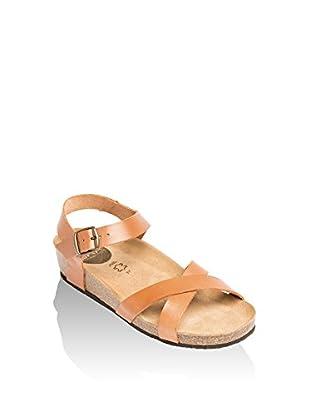 Uma Sandalo Zeppa Nada