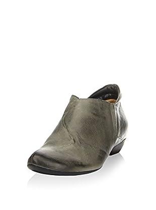 Think! Zapatos abotinados
