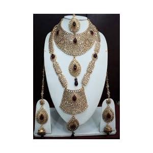 Maroon and Off White Kundan Studded Necklace Set