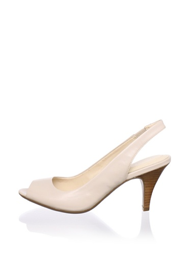 Calvin Klein Women's Kourtney Slingback Pump (Nude)