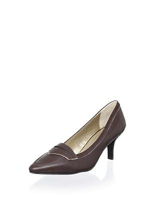 Adrienne Vittadini Footwear Women's Hana Pump (Castagno)