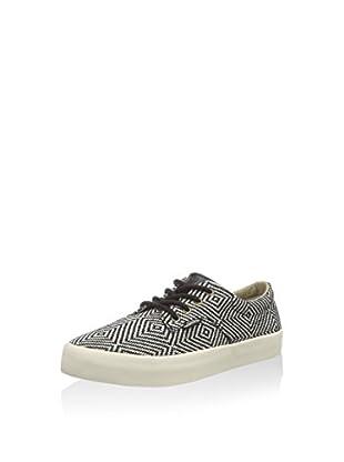 Pointer Sneaker