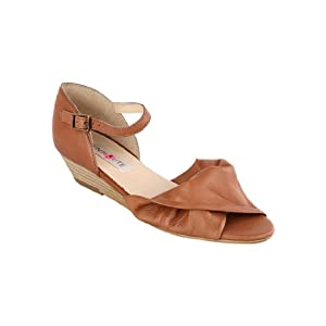 Enroute Women's Sandals-Brown