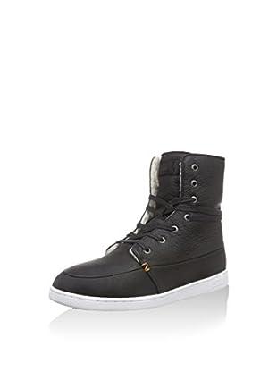 Hub Hightop Sneaker