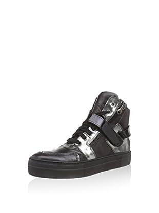 Manas Hightop Sneaker