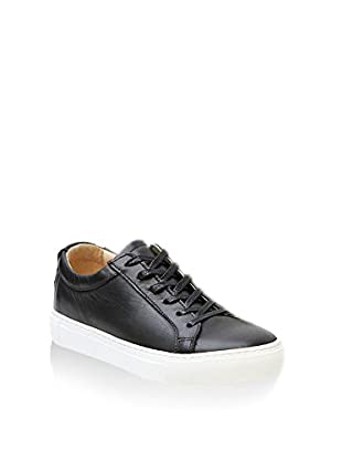Lynn77 Sneaker Sleek