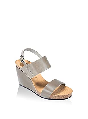 Uma Sandalo Zeppa Amal