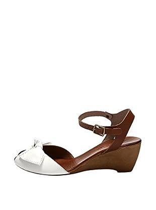 Bueno Shoes Sandalias de cuña Lazo