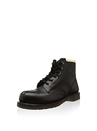 Dr. Martens Boot Replica Tower