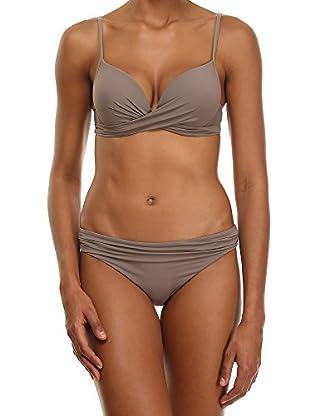 AMATI 21 Bikini F 940 Halle 3H