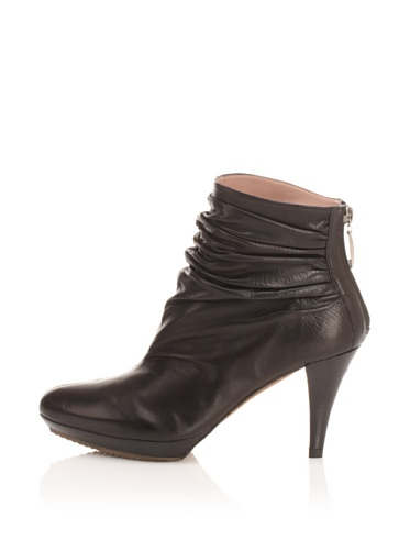 Pura Lopez Women's Ruched Ankle Boot (Black)