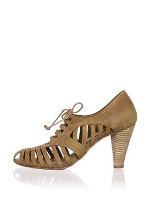 J. Shoes Women's Hickory Pump (Tan)
