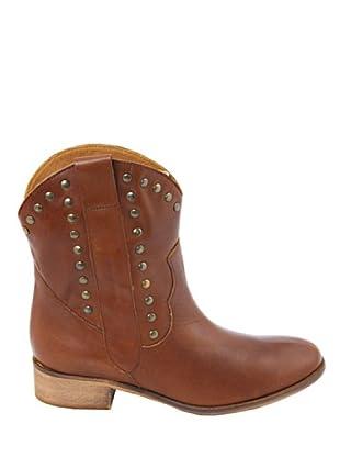 Eye Shoes Botines Tachuelas (Marrón)