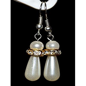 Varishta Jewells Pearl Drops Earring