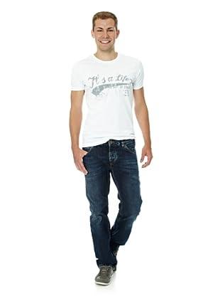 cross jeanswear stile und mode. Black Bedroom Furniture Sets. Home Design Ideas