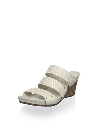 Geox Women's Roxy Wedge Sandal (Ivory)