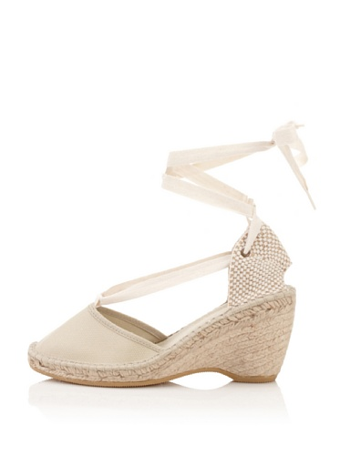 Andre Assous Women's Holiday Espadrille (Crudo)