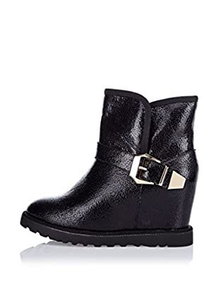 Poti Pati Boot