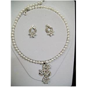 Pendent Set With Pearl Mala