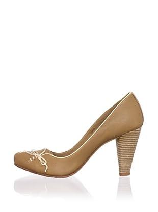J. Shoes Women's Stun Pump (Tan)