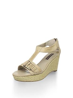 Adrienne Vittadini Women's Cliff Platform Sandal (Natural)
