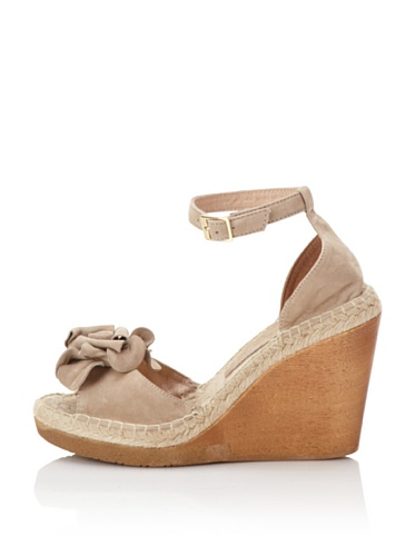 André Assous Women's Bachatana Wedge (Taupe)