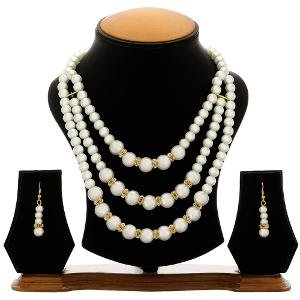 Pearl Necklace Set by The Pari - EY-11