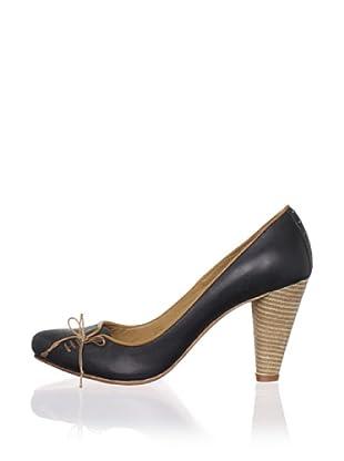 J. Shoes Women's Stun Pump (Black)