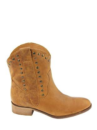 Eye Shoes Botines Tachuelas (Camel)