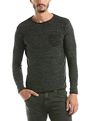 Hot Buttered Pullover Roundhouse