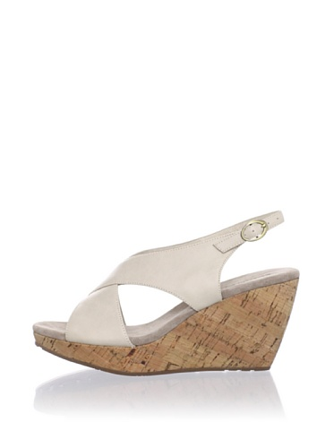 Chocolat Blu Women's Brit Cork Cross Front Wedge (Off white)