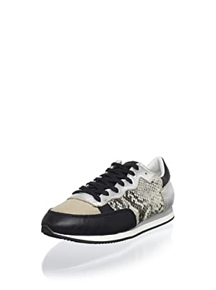 Pour La Victoire Women's Alice Fashion Sneaker (Black/White Snake)