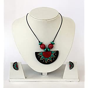 Anikalan Designs Red dotted Black Surya Pendant Terracott Necklace Set