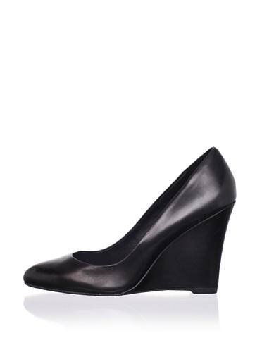 Delman Women's Faryl Wedge Pump (Black)