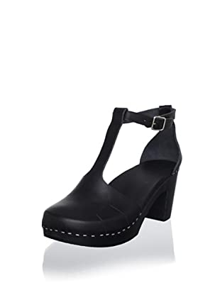swedish hasbeens Women's Baskemolla Duck Toe T-Strap Sandal (Black)