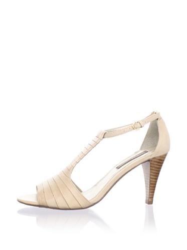 Adrienne Vittadini Women's Ari Sandal (Champagne)