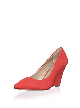 Pour La Victoire Women's Mai Wedge Pump (Coral Red Nubuck)