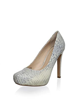 Pour La Victoire Women's Gilliana Platform Pump (Natural Lizard)