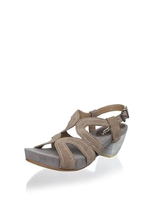 Antelope Women's Mid-Heel Sandal (Powder)