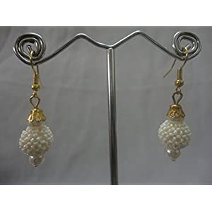 Mona Jewels Pearl Hanging Earrings in Cream and Gold