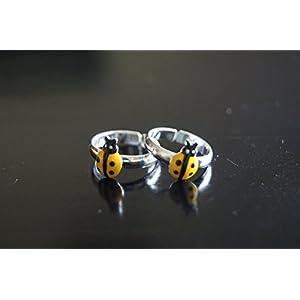 Gajgauri Silver Toe Ring in Silver, Yellow & Black
