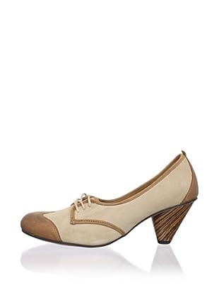 J. Shoes Women's Gladis 2 Pump (Milkshake/Mid Brown)