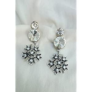 No Strings Attached Engraved Antique Silver Flower Crystal Cluster Earring
