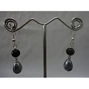Mona Jewels A Grey and Black Beaded Hanging Earrings