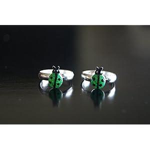 Gajgauri Silver Toe Ring in Silver, Green & Black