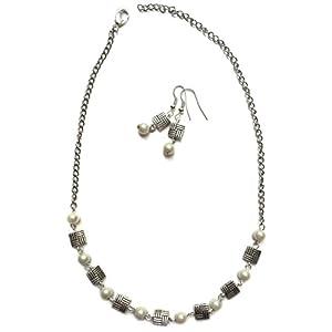 Cupkin Accessories Small Square With Delicate Pearls Set