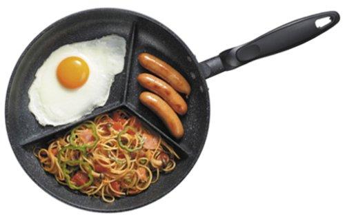 3種類の料理を同時に作れるフライパン「カロリースリム・マーブル」
