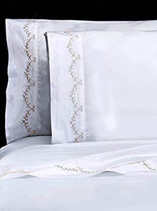 Mélange Pair of 300 TC Egyptian Cotton Percale Laurel Embroidery Pillowcases, Gardenia Ivory, Standard