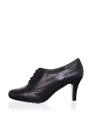 Adrienne Vittadini Footwear Women's Penn Pump (Black)