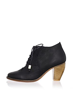 J. Shoes Women's Sidesaddle Bootie (Black)